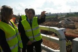 Isern y Salom visitan las obras del nuevo enlace de la autopista de Llucmajor con el Molinar