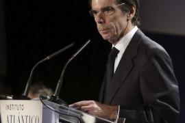 Aznar acusa a Podemos de defender «modelos totalitarios y populistas»