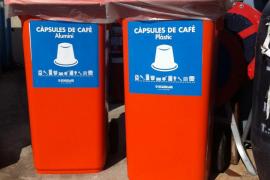 Instalan dos contenedores para cápsulas monodosis de café en el punto verde de Son Castelló