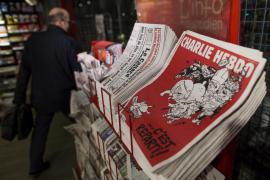 """""""Charlie Hebdo"""" vuelve a los kioscos con más calma pero el mismo combate"""