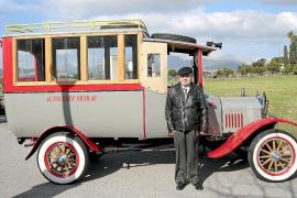Gabriel Nicolau rescató de un chatarrero este Ford T de 1922, convertido en autocar