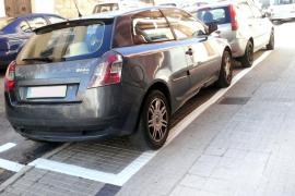 Cort permite aparcar en la acera de una calle de Palma de forma temporal