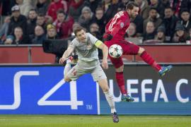 El Bayer desdibuja al Atlético a la espera del Calderón