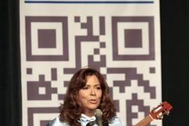 Maria del Mar Bonet vuelve a atacar la política lingüística del Govern