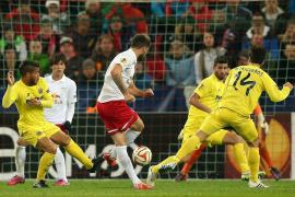 El Villarreal remonta y se clasifica en un partido intenso