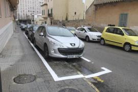 Cort estudiará las peticiones de vecinos para estacionar en la acera