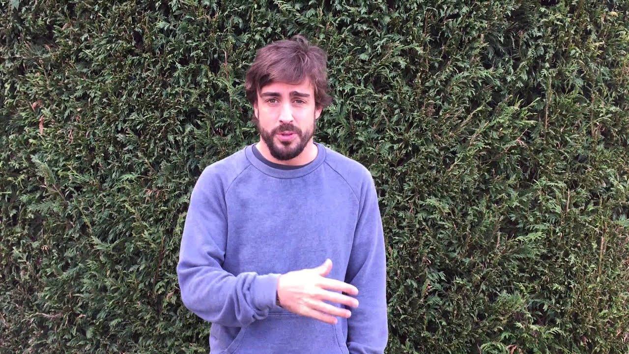 Alonso tranquiliza a sus seguidores con un vídeo en 'Youtube'