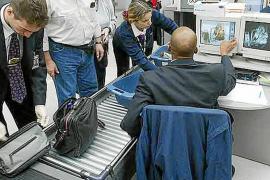 AENA aumenta la seguridad en los  aeropuertos para detectar  explosivos