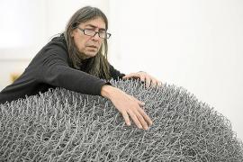Josep M. Alcover regresa expresionista y orgánico en una muestra en Barcelona