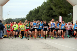 Más de un millar de personas participa en la maratón de Magaluf