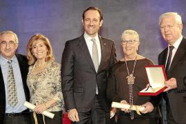 Indignación en la junta pitiusa de la AECC con Teresa Martorell