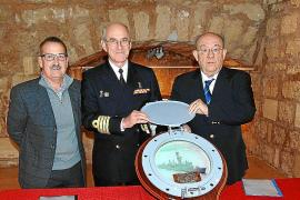 """Cesión del Portillo de la fragata """"Baleares"""" al Museo Militar"""