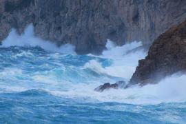 Mallorca y Menorca estarán este viernes  en alerta naranja por fenómenos costeros