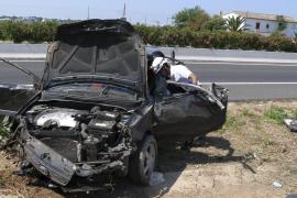 Herido grave un conductor tras chocar contra la mediana de la carretera de Manacor