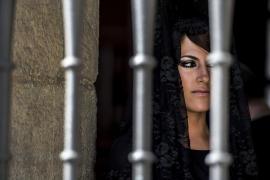 Prohíben el escote y la falda corta a las mujeres que procesionen en Alicante