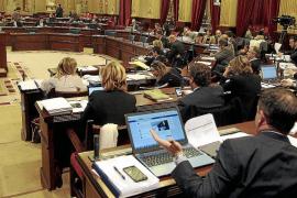 El Parlament deroga en un día centenares de normas legales que no se aplicaban