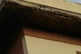 «El colegio Joan Miró se cae a trozos y no es seguro»