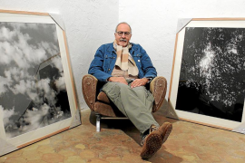Jean Marie del Moral retrata los objetos que configuraron el universo de Miró