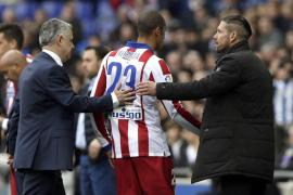 El Atlético, con diez, se estrella contra Casilla