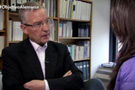Un asesor de Merkel indigna a las redes al comparar a Podemos con Hitler