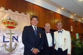 Entrega de las medallas de Caballeros del Ancla de Plata de la Real Liga Naval