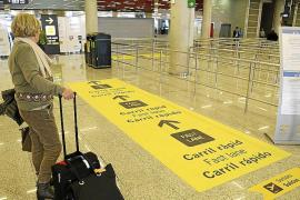 El carril rápido del aeropuerto entra en funcionamiento en medio de la polémica y la desinformación