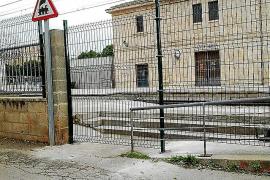 Críticas por el cierre del acceso al andén de Coanegra en Santa Maria