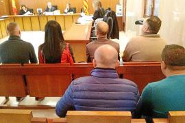 Una banda de trileros de s'Arenal acepta una condena como un grupo criminal