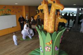 El hospital de Son Espases inaugura 'Jungla Tropical', un nuevo espacio infantil