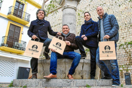 Eivissa luce la primera zona comercial abierta de Balears