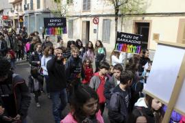 400 personas piden un nuevo edificio para el instituto de Santa Maria