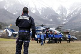 Expertos en aviación creen que el avión pudo sufrir una despresurización