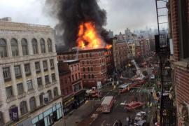Una explosión y un aparatoso incendio en Nueva York causan 19 heridos