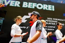 Alonso: «Que lo que se ha roto hoy no se rompa en la siguiente carrera»