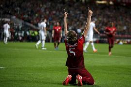 Alemania cumple el trámite mientras Coentrao alivia a Portugal