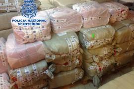 La Policía Nacional desmantela una red organizada que falsificaba prendas deportivas