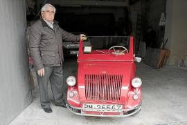 Francisco Gayá es el propietario de un Biscuter de 1954