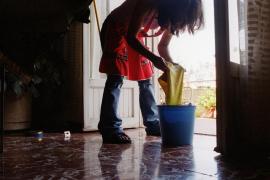 Un estudio de la UIB ahonda en la vulnerabilidad de las cuidadoras latinoamericanas