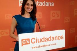 Ciutadans propone una sanidad pública «universal y gratuita» pero limitada para los ilegales