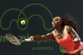 Serena y Suárez se jugarán el título y Djokovic e Isner el pase a la final