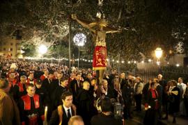 Multitudinaria procesión del Sant Crist de la Sang
