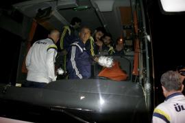 El autobús del Fenerbahce, tiroteado