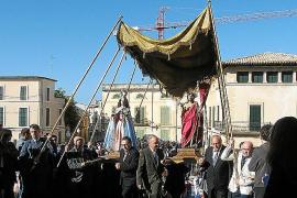La Part Forana sale al tradicional encuentro entre Jesús y la Virgen
