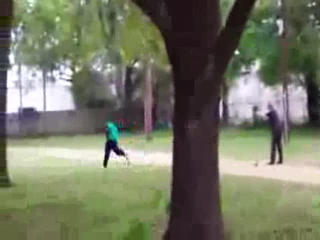 Acusan de asesinato a un policía en EEUU que disparó ocho veces por la espalda a un hombre negro