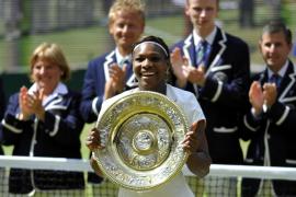 La estadounidense Serena Williams, campeona de Wimbledon por cuarta vez