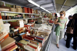 Los libreros esperan una gran afluencia a la Feria del libro antiguo y de ocasión