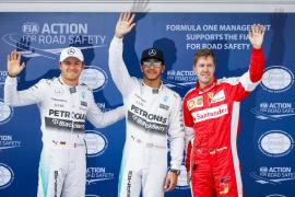 Hamilton logra la 'pole' en Shanghái y Alonso saldrá decimoctavo