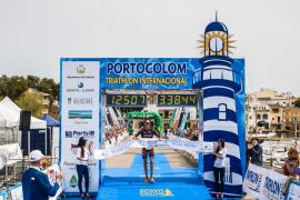 La austríaca Gruber y el belga Van Cleven ganan el Triatlón de Portocolom