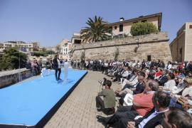 Isern planta a Soraya Sáenz de Santamaría en la presentación de la lista a Cort