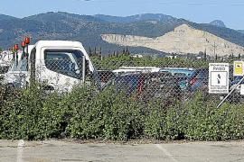La grúa municipal retira cada día 18 vehículos de las calles de Palma
